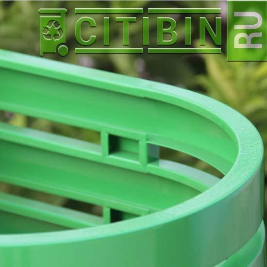 Зеленая урна для раздельного сбора мусора