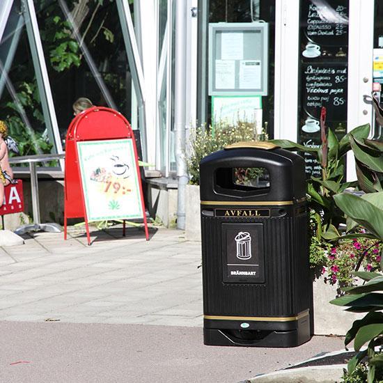 Английская мусорная урна на улице GLASDON 70 литров
