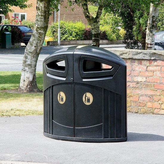 Уличная мусорная урна у типа мусора с баками на 200 литров