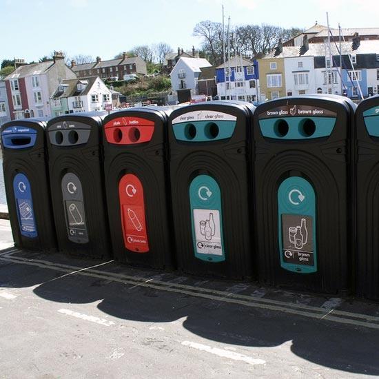 Баки-контейнеры для раздельного сбора мусора на улицах GLASDON NEXUS 360