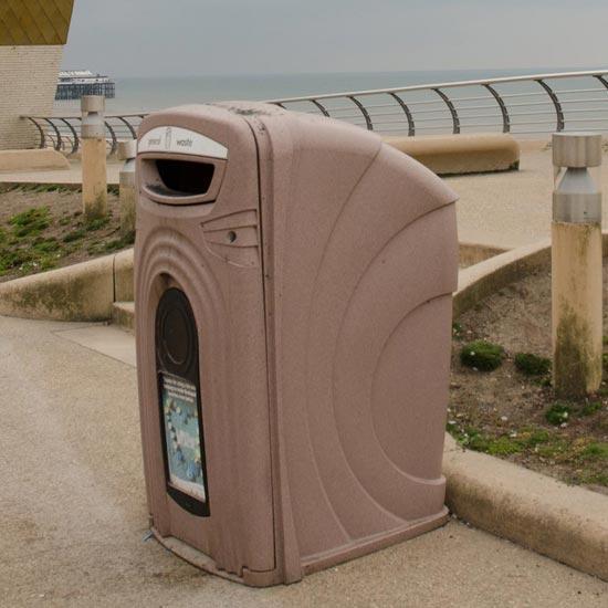 Уличный мусорный контейнер высокий Glasdon NEXUS 360