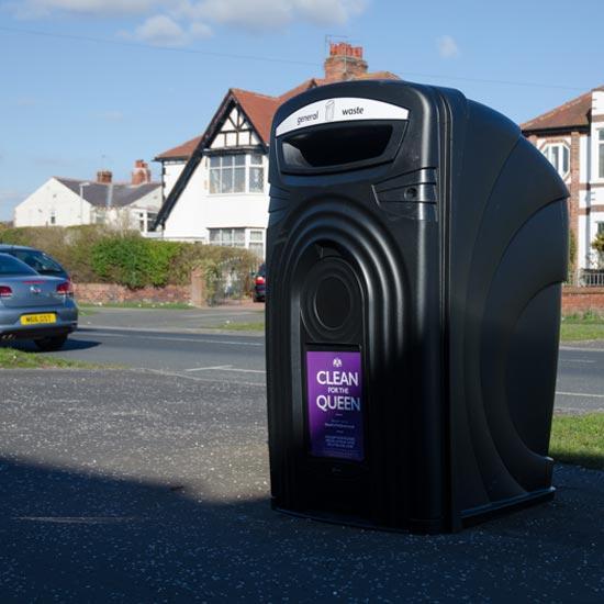 Красивый прочный контейнер на 360 литров под мусор Glasdon Nexus 360