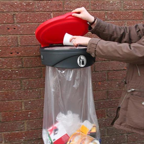 Подвесная прозрачная мусорная урна ORBIS