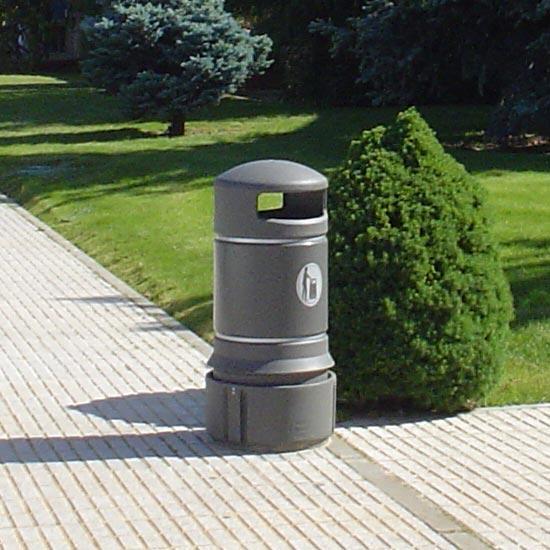 Красивая урна в парке Plaza mini 63 литра