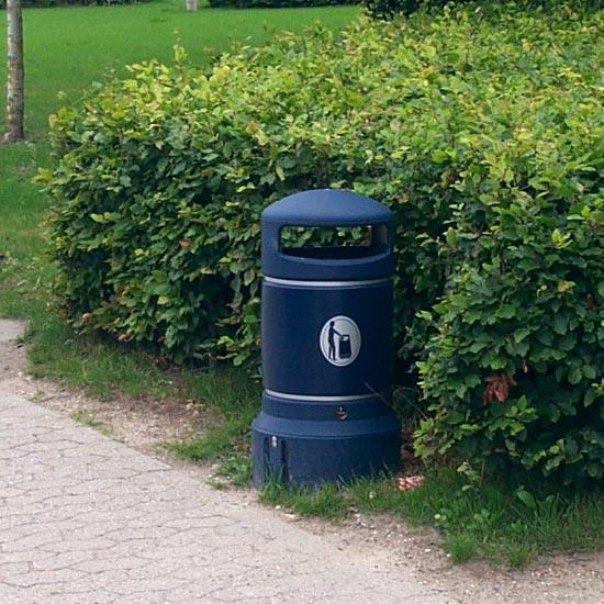 Цилиндрическая мусорная урна синего цвета plaza mini