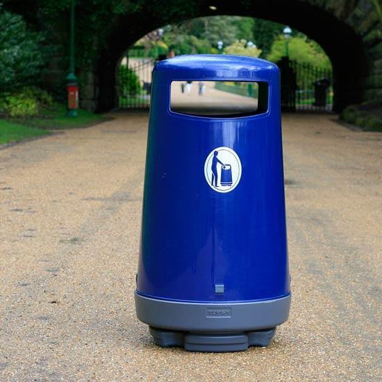 Синяя уличная урна для мусора Topsy 90 литров