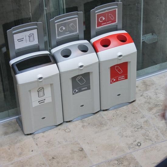 Урны в коридорах для раздельного сбора мусора Glasdon NEXUS 100