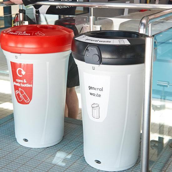 Урны для общего мусора и пластиковых бутылок NEXUS 130 GLASDON
