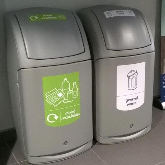 Урны для общего неорганического мусора в большом помещении NEXUS 140 литров