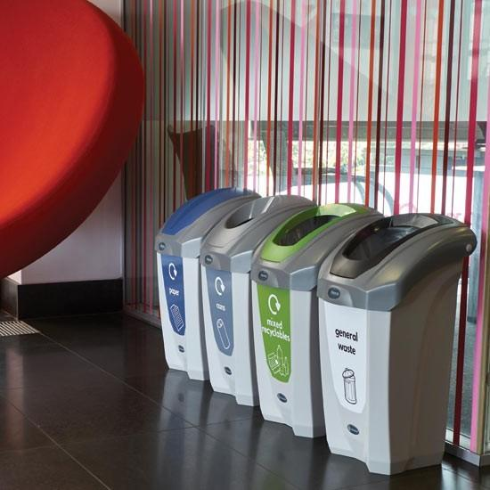 Урны для раздельного мусора в помещении GLASDON Англия Nexus 30