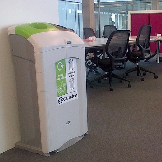 Большая урна для раздельного мусора внутри помещений NEXUS DUO