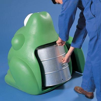 Внутренний оцинкованный бак мусорки лягушка