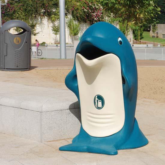 Урна в форме дельфина с мусорным баком 85 литров