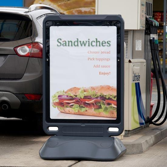 Уличный рекламный билборд GLASDON