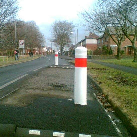Уличный дорожный столбик ADMIRAL Glasdon