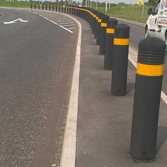Дорожный разделительный столбик Англия