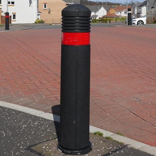 Уличные разделительный столбик на дороге Admiral Glasdon