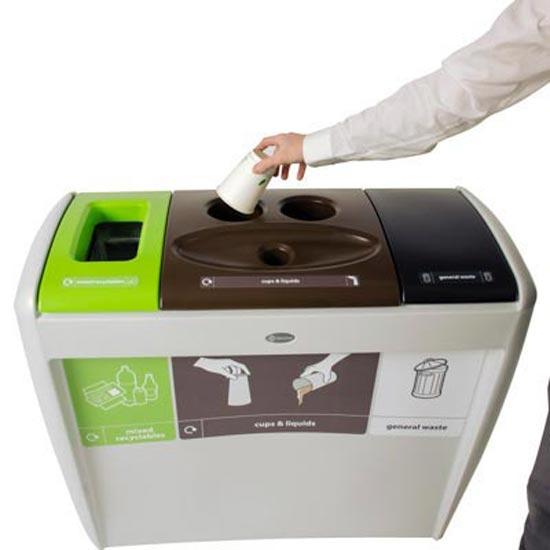 Утилизация стаканчиков в мусорной урне NEXUS EVOLUTION CUP