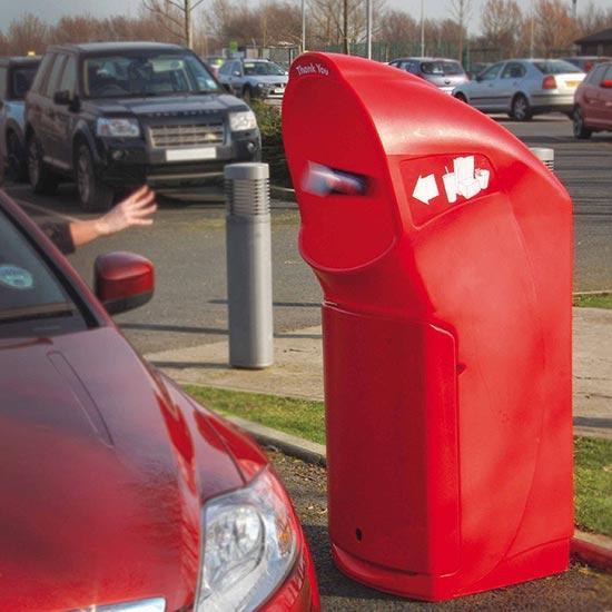 выбрасывание мусора из машин в урну COMBO DELTA