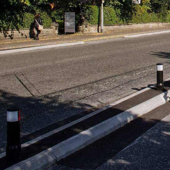 Уличные парковочные столбики EDGELINER
