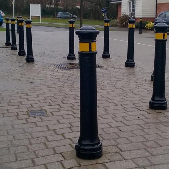 Дорожный тротуарный столбик из Англии