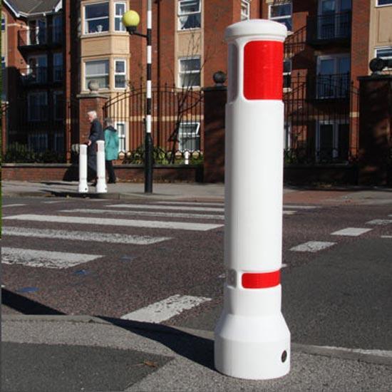 Белый уличный противоударный столбик Neopolitan