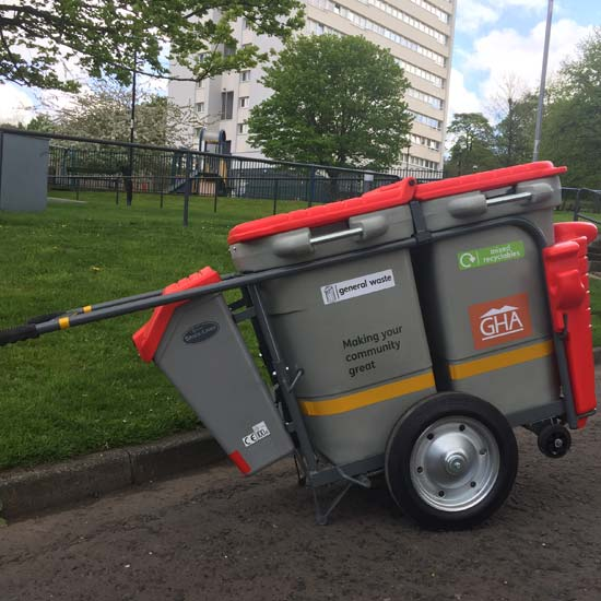 уличная мусорная тележка дворника GLASDON Spaceliner DUO
