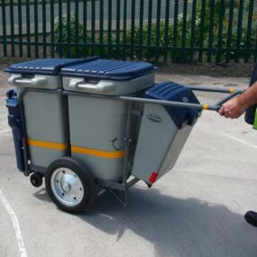Прочная колесная тележка для перевозки мусора GLASDON Spaceliner 2 бака