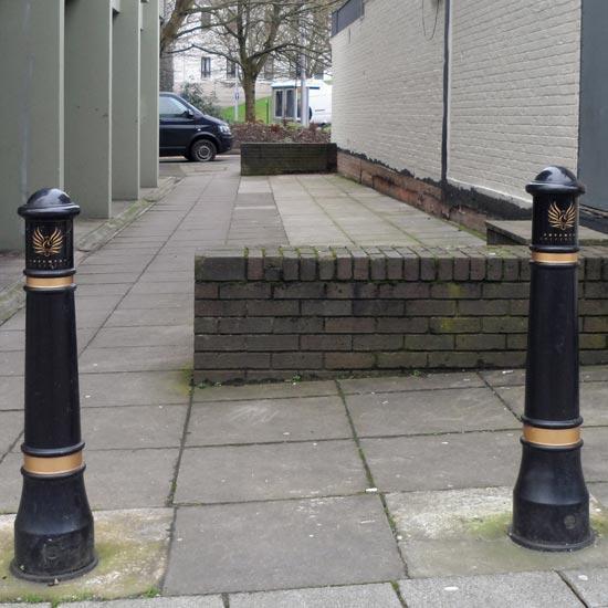 Тротуарный уличный боллард Victory