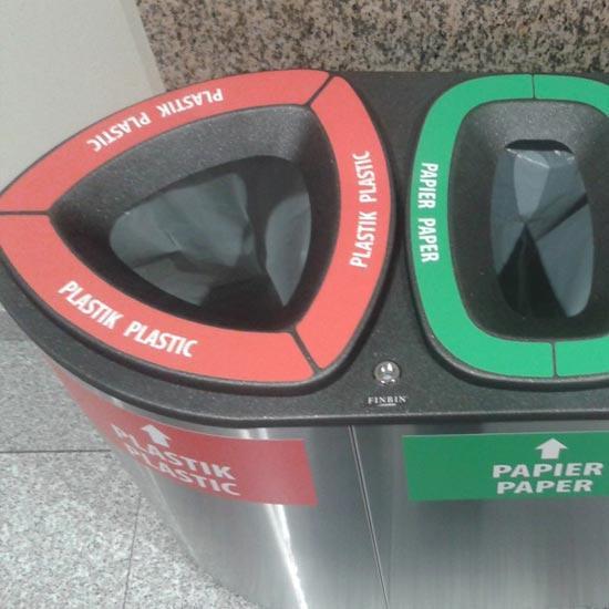 Верхние наклейки на урны для раздельного сбора мусора
