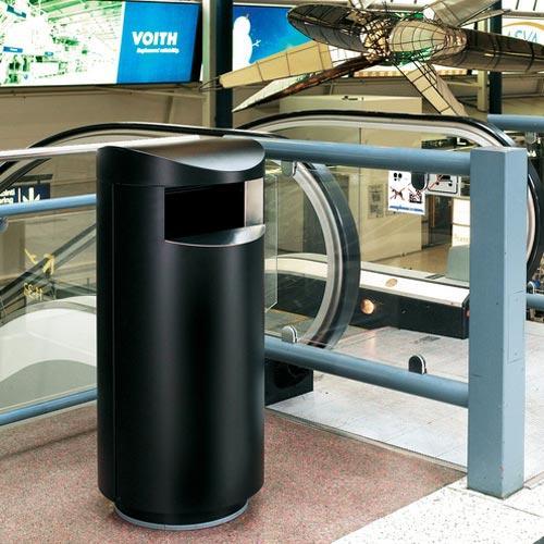 Урны для мусора Unique в аэропорту