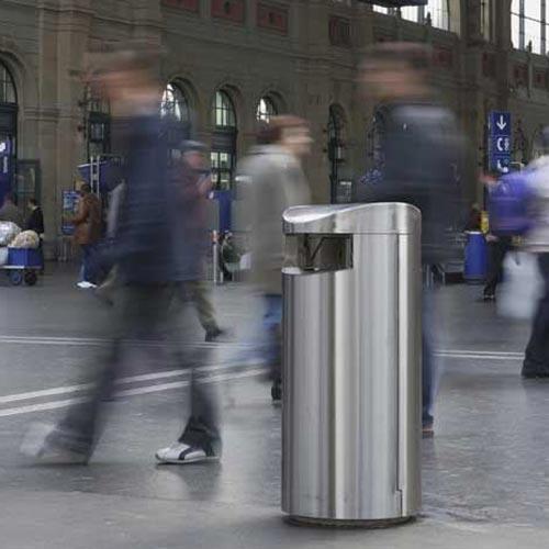 Нержавеющие мусорные урны Фин Бин на улицах